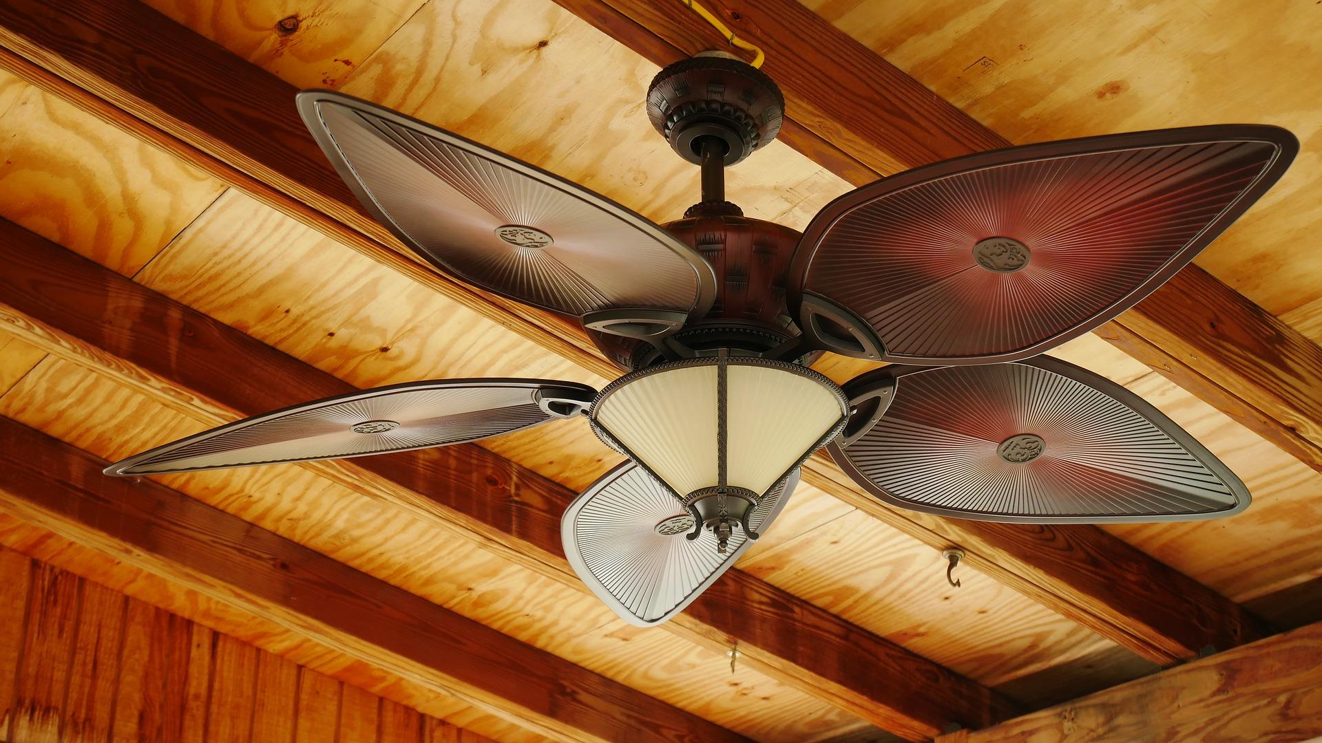 מאוורר תקרה בעיצוב ייחודי